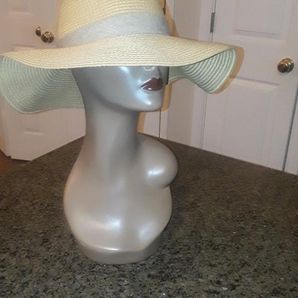 Loft straw hat